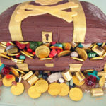 Pirate party treasure chest cake- love!