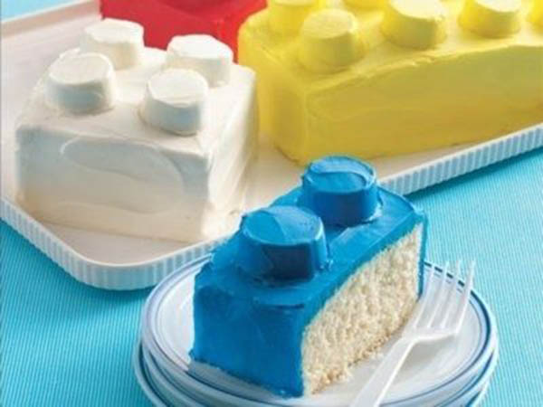 This lego cake is too fabulous!