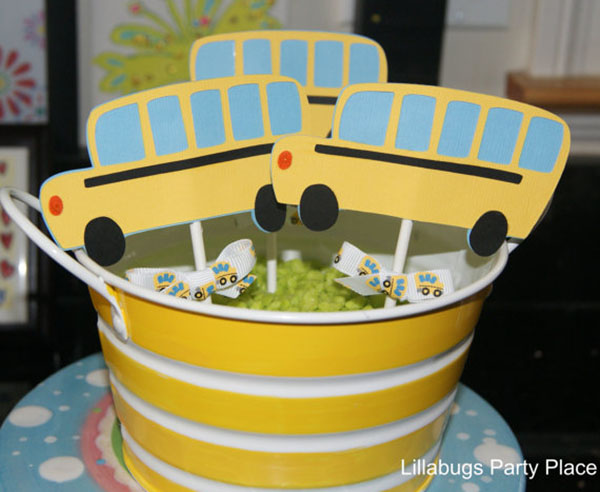 Cute School Bus Cupcake toppers!