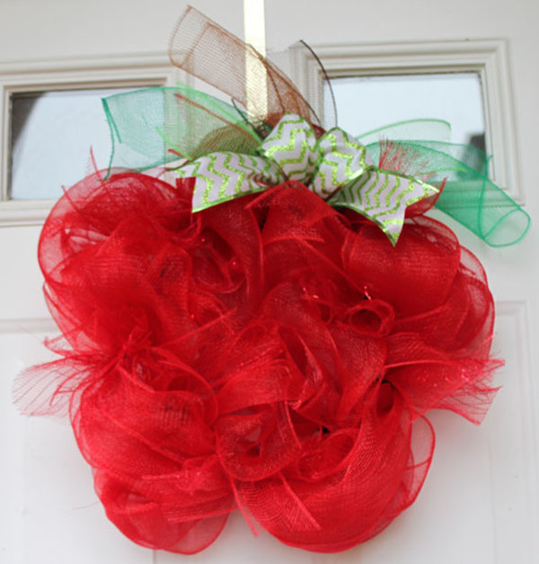 Fun Apple Wreath For Back To school!