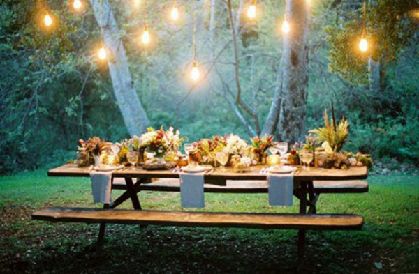 Love this intimate Outdoor dinner party setting