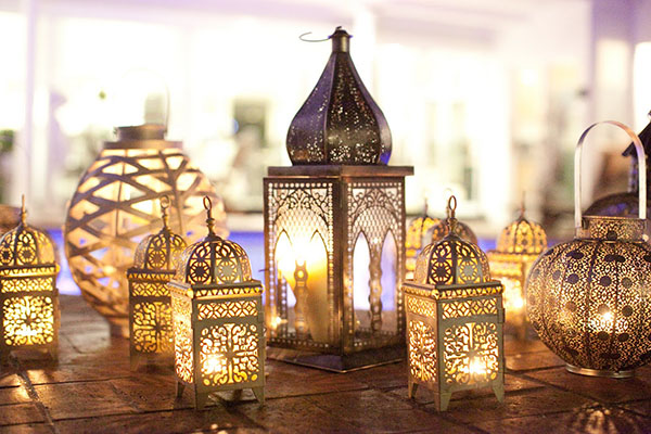 Moroccan Style Lanterns For Outdoor Parties- Love these!