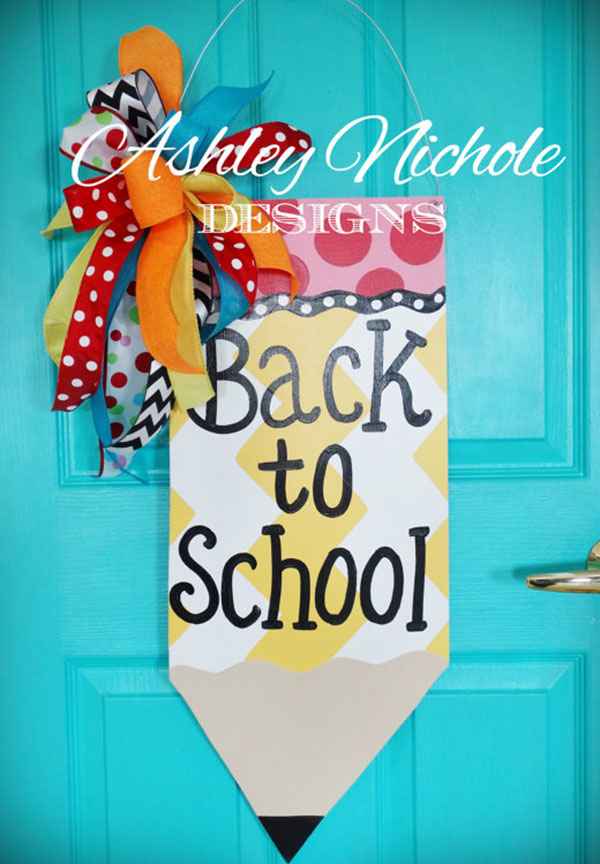 This big penciel wreath is awesome for back to school!