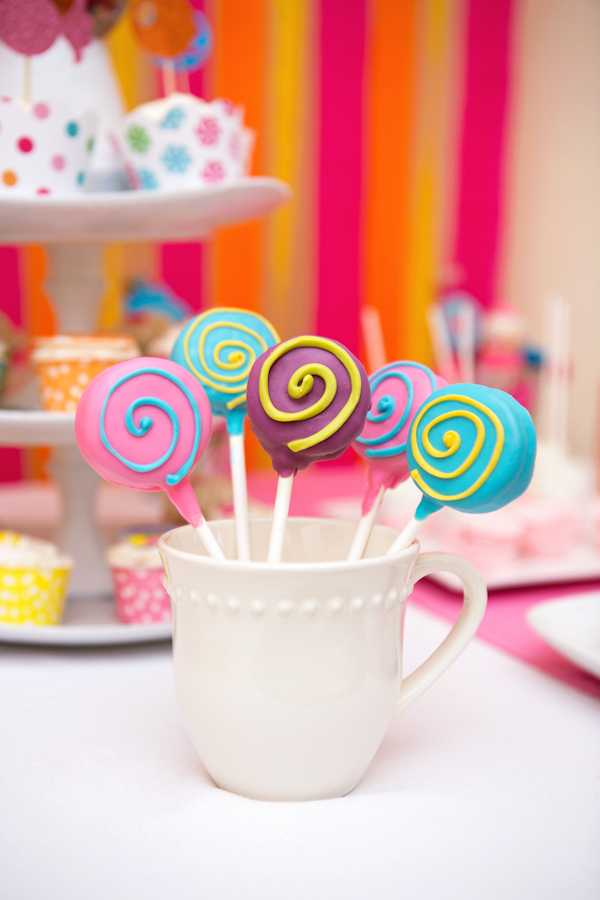 Lollipop Oreo Pops