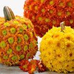 Love these Pumpkin Flower Decorations