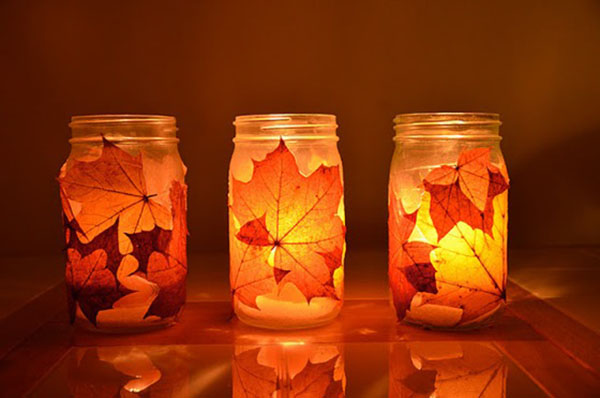 Lovely Fall leaf Mason Jar Lanters