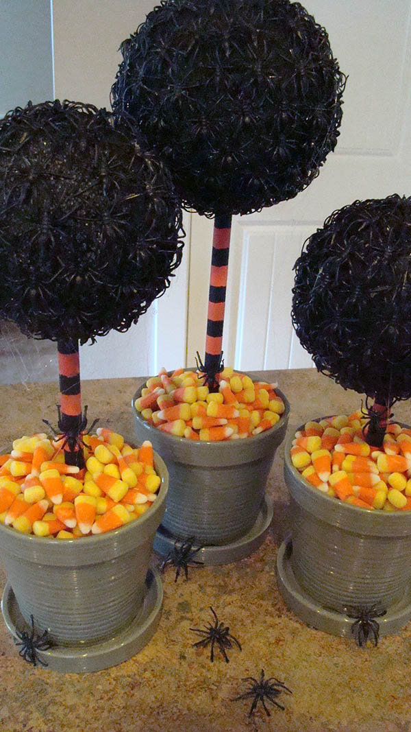 Awesome Spider Topiary for halloween