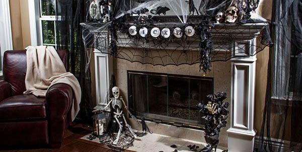 Black and white Skeleton mantle