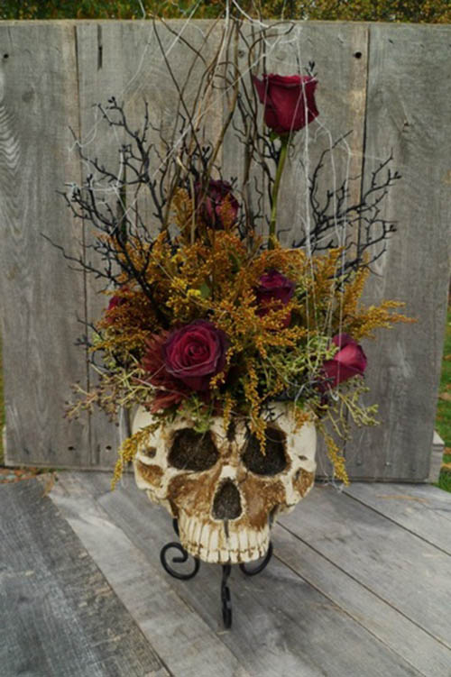 Love this Skull Floral Centerpieces For Halloween!
