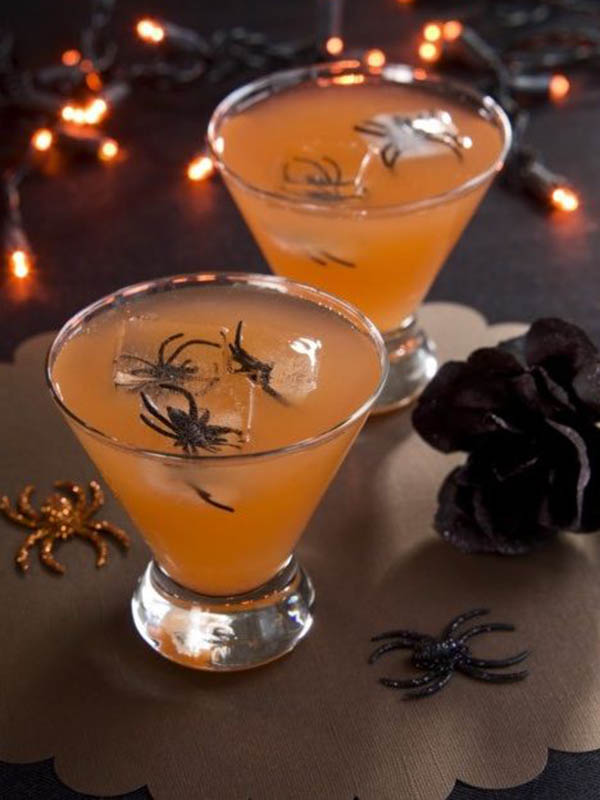Fabulous spider drinks b lovely events for Halloween alcoholic punch bowl recipes