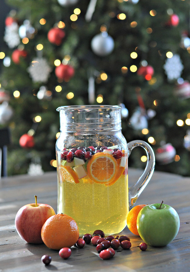 Cranberry Sangria For Thanksgiving!