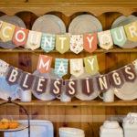 Love THis DIy Thanksgiving banner!