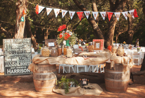 We love this wedding Trail Mix Bar!