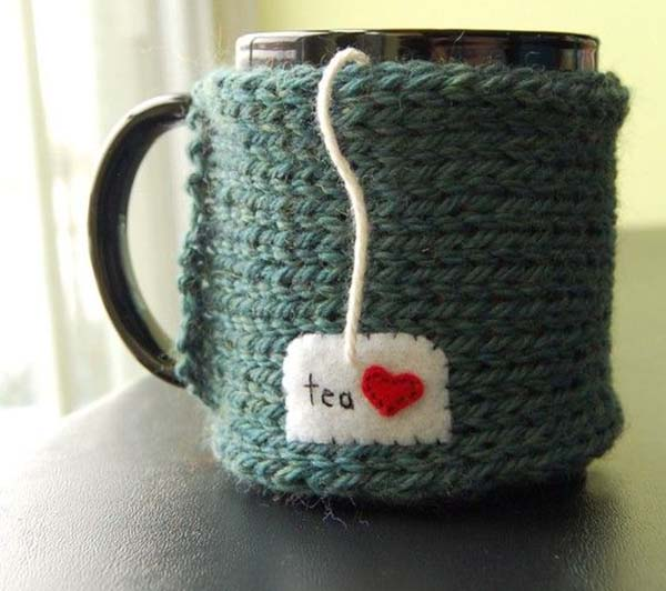 Knitting Pattern For Mug Sweater : Day 1- Holiday Favorites- Sweater Mugs! - B. Lovely Events