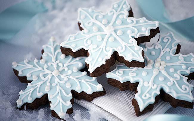 Day 5-Holiday Favorites- Snowflake Cookies