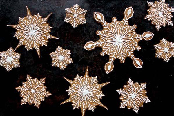 Pretty Snowflake Cookies!