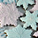 Pretty Snowflake cookies For Christmas