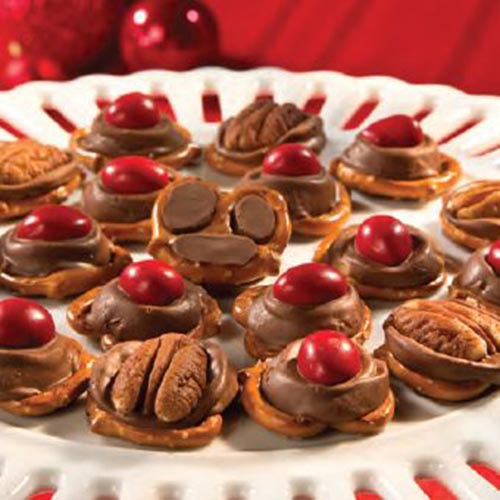 Reindeer paws and noses- Super cute & easy with pretzels
