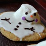 This is such a friendly looking melted snowman cookie!