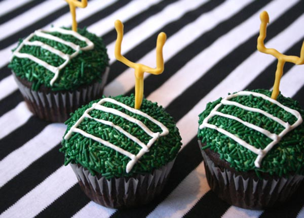 Goal post football cupcakes For a football party