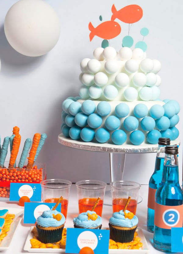 Love-all-of-the-details-in-this-goldfish-party-on-Amy-Atlas