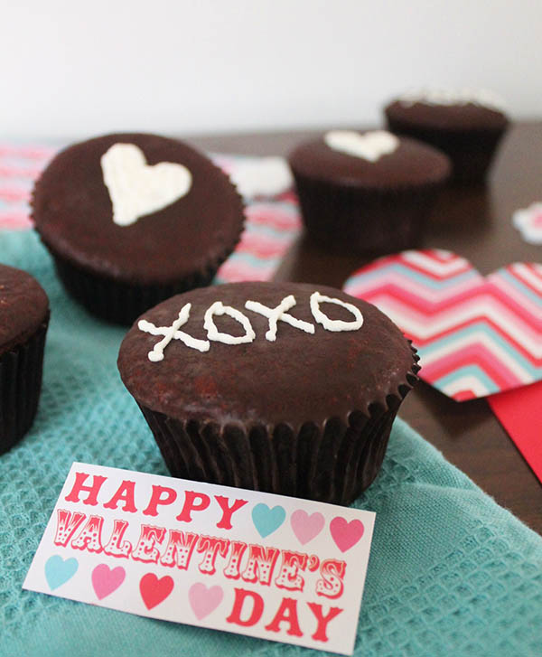 Fun XOXO Cupcakes that are gluten free too!