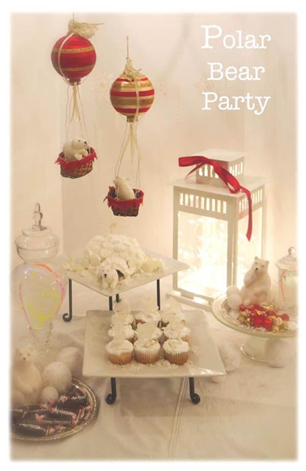 Adorable little polar bear party
