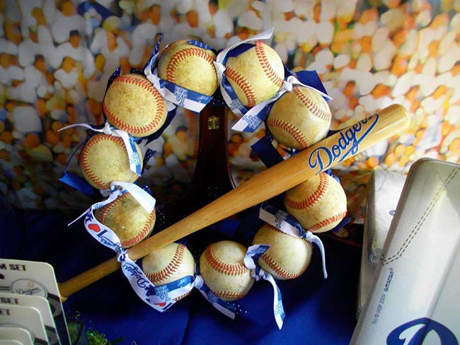 Love this baseball wretah with mini bat