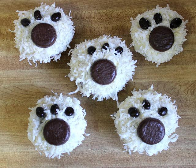 Polar bear party cupcakes!