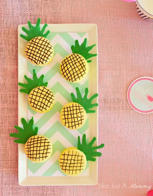 Cute Pineapple Party Cookies!