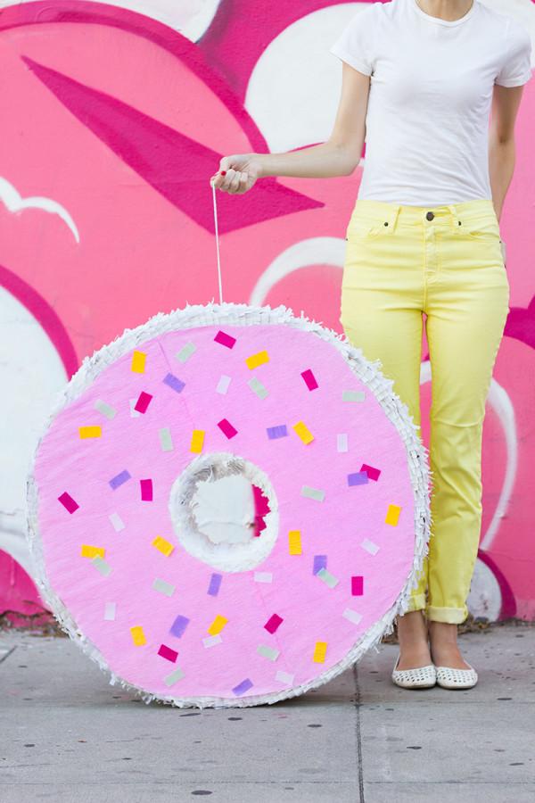 DIY Donut pinata!