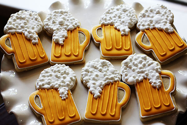 Super Cute Beer Cookies For Father's Day!