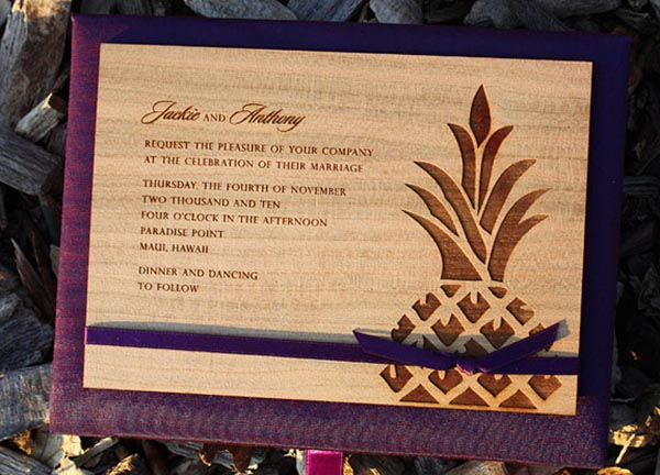 These pineapple invitations are lovely!