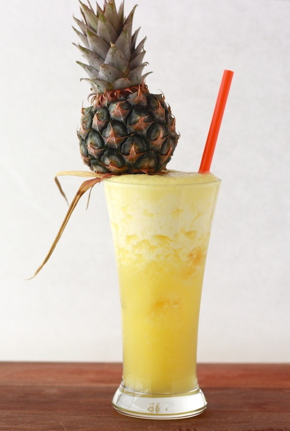 We love the little pineapples on these drinks!