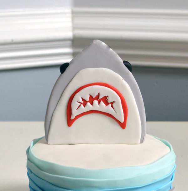 Check out this seriosuly lovely shark cake topper!