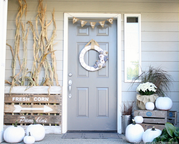 Love this neutral fall porch design