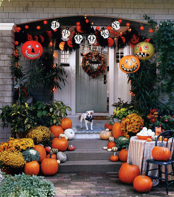 We love this whimsical fall porch