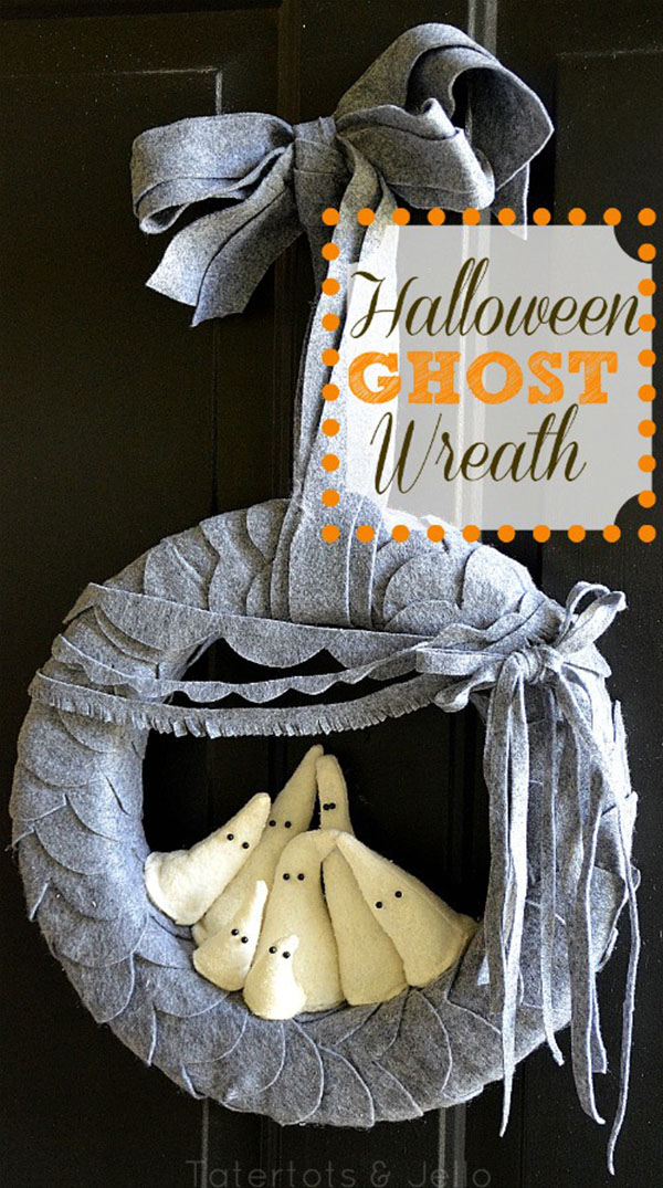 Adoring this Halloween Ghost wreath!