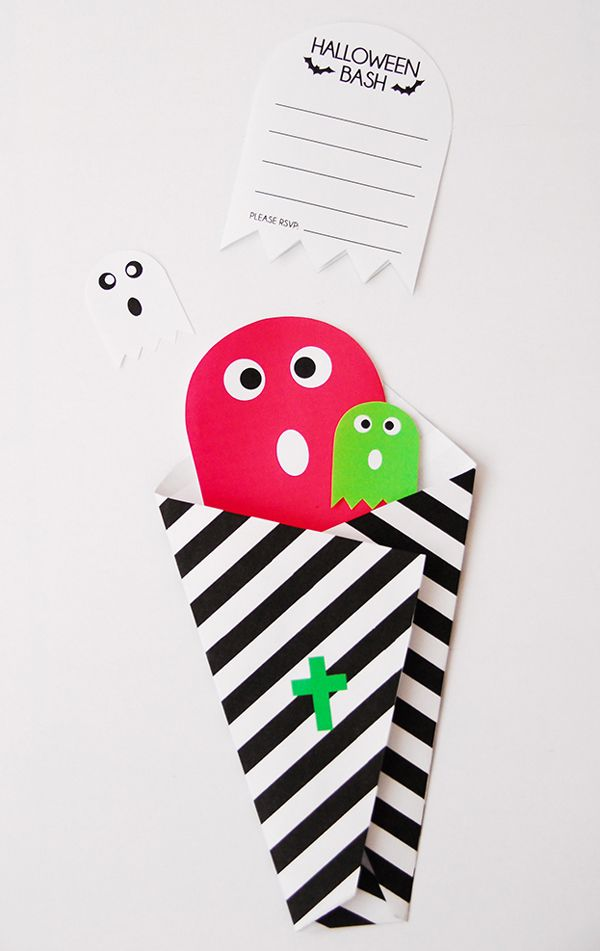 Bright and cute Halloween ghost invitation