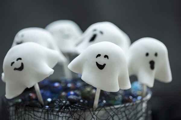 Happy Go Lucky Halloween Ghost Pops!