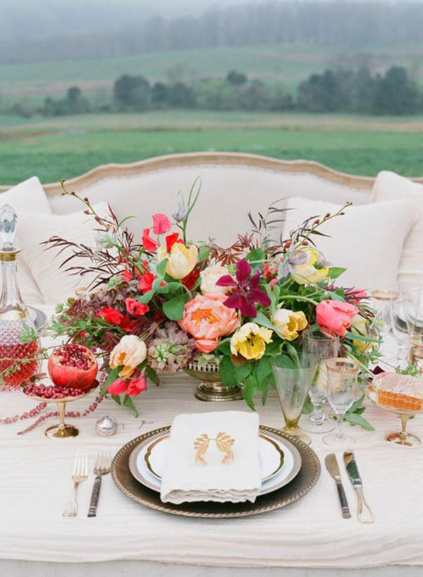 Love the sophistication for this fall centerpiece!