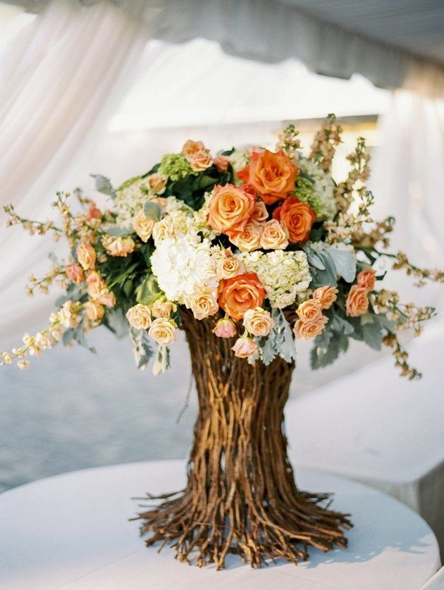 Love this gorgeous Fall wedding centerpiece!