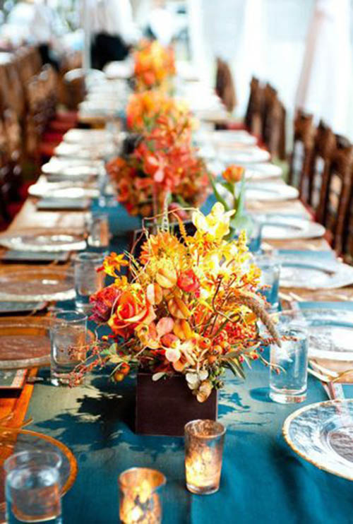Pretry Fall Wedding Centerpiece with fall leafs!