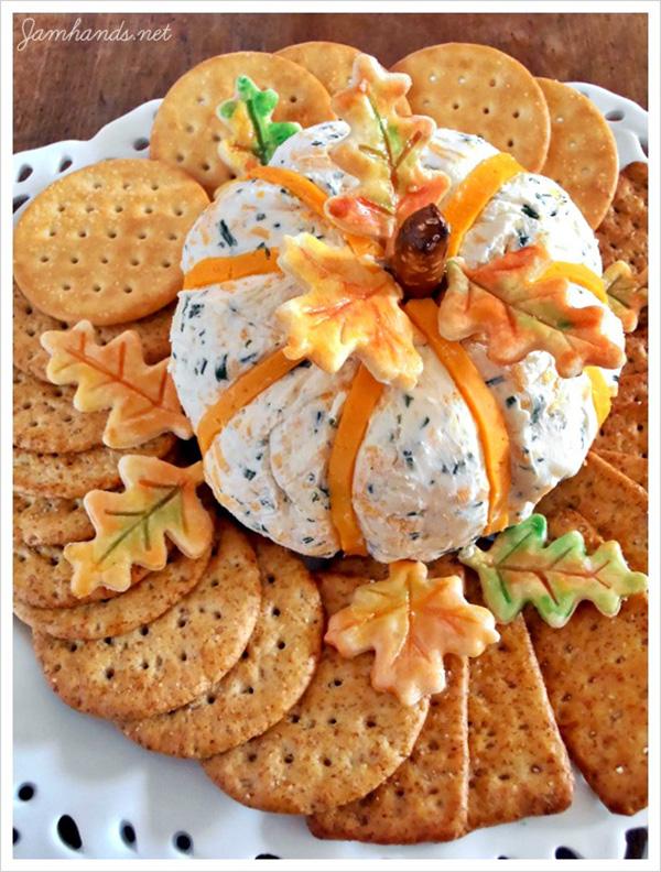 Fun Pumpkin Cheeseball & crackers for Thanksgiving