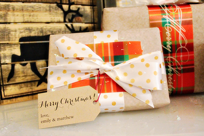 Gold polka Dotted wrapping ideas for Christmas - B. Lovely Events