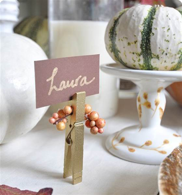 The loveliest thanksgiving place cards b lovely events for Diy thanksgiving table place cards