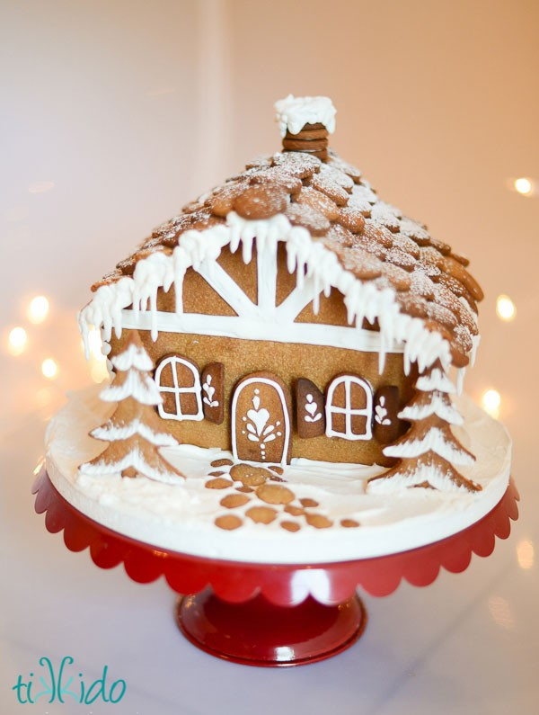 Darling Gingerbread House!