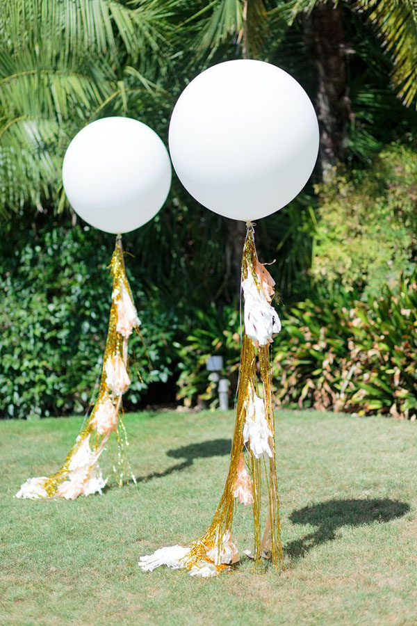 Amazing Gold tassles on these balloons
