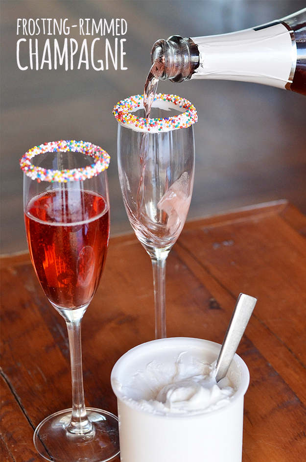 Champaign Sprinkled rimmed Drinks!