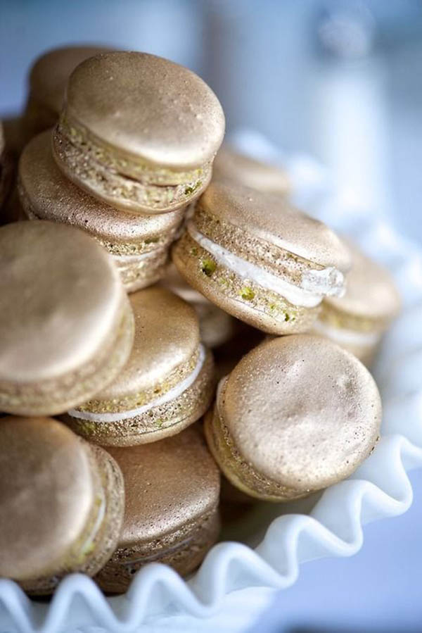Gold Macaroons -Perfert for the golden globes